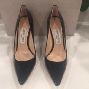 JIMMY CHOO BLACK PATENT LEATHER HEEL SIZE 6.5M